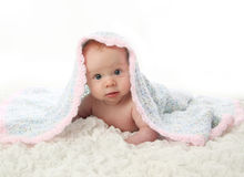tummy одеяла младенца лежа вниз Стоковые Фото