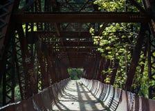 Tumwater bro nära Leavenworth, WA arkivfoton