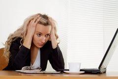 Tun Sie Frauengeschäftliche Probleme Lizenzfreie Stockfotografie