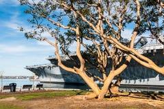Tuna Harbor Park Near USS halvvägs museum i San Diego Arkivbild