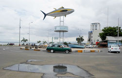 Tuna Monument in manta, Ecuador fotografia stock libera da diritti