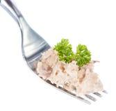 Tuna Salad auf einer Gabel (lokalisiert auf Weiß) Stockfotos