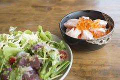 Tuna Salad et Salmon Toro frais épicés Photos stock