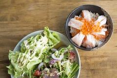Tuna Salad et Salmon Toro frais épicés Photographie stock