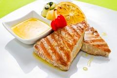 Tuna Steak Plate Lizenzfreie Stockbilder
