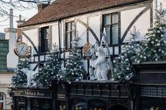 TUNBRIDGE ΦΡΕΑΤΙΑ, KENT/UK - 4 ΙΑΝΟΥΑΡΊΟΥ: Επίδειξη Χριστουγέννων στα βασιλικά φρεάτια Tunbridge στις 4 Ιανουαρίου 2019 στοκ εικόνες