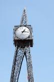 TUNBRIDGE studnie, KENT/UK - CZERWIEC 30: Widok modernistyczny Mil Obraz Stock