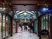 TUNBRIDGE WELLS, KENT/UK - JANUARY 5 : The Great Hall Arcade in. Royal Tunbridge Wells on January 5, 2018. Unidentified people Royalty Free Stock Photo