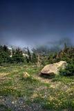 Tundra alpina HDR della montagna Fotografie Stock