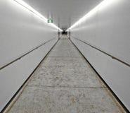 Biały tunel   Obrazy Stock