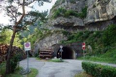 Tunel och väg Arkivbilder