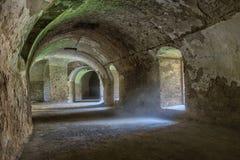 Tunel pod bastionu fortecy kompleksem Zdjęcie Royalty Free