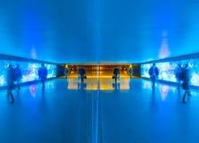 Tunel z pedestrians w ruchu Zdjęcie Royalty Free