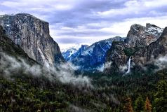Tunelowy widok w Yosemite parku narodowym, California usa zdjęcie stock