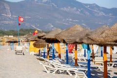 Tunesischer Strand am Morgen ohne Leute Stockfoto