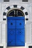 Tunezyjscy błękitni drzwi zdjęcie stock