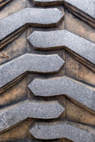 tung gummihjuldäckmönster för arbetsuppgift Arkivbilder
