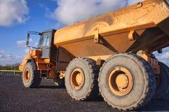 tung industriell laddare för jord utanför yellow Arkivfoton