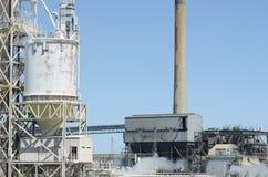 tung industriell växt Arkivfoton