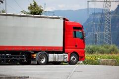 tung lastbil Arkivfoton