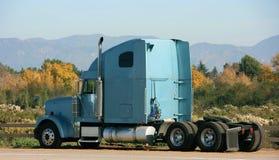 tung lastbil Arkivbild