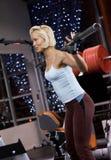 tung lyftande viktkvinna Royaltyfri Fotografi