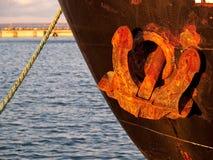 tung ship för ankare Arkivbilder
