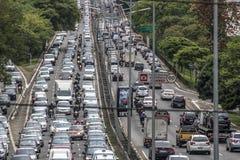 tung trafik arkivbild