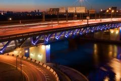 tung trafik för bro Royaltyfri Bild