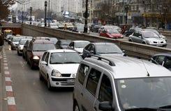 Tung trafik i Bucharest Fotografering för Bildbyråer