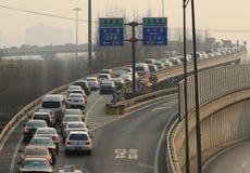 Tung trafikstockning och luftförorening för Peking Royaltyfria Bilder