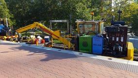 Tung utrustning som används för svallvåg 7 för WMATA Safetrack på den Rockville stationen Arkivfoton
