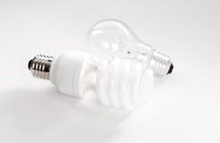 Tungsteno e lampadina economizzatrice d'energia Fotografia Stock