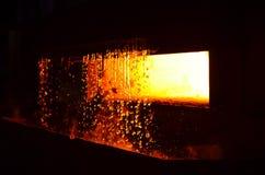 Tungt förfalskasteelmakingväxt och steelmakingseminarium arkivbild