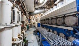 Tungt industriellt skepp för maskineri ombord royaltyfri bild