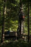Tungt maskineri för geologisk utgrävning av prövkopior royaltyfri bild