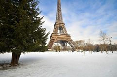 Tungt snöfall i Paris Arkivfoto