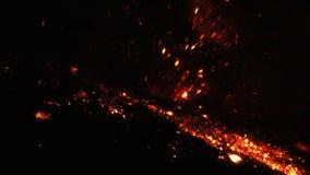 Tungurahua Volcano Amazing Eruption After een Ogenblik van Stilte in de Nacht stock footage