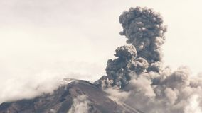 Tungurahua Volcano Eruption 2015 stock videobeelden
