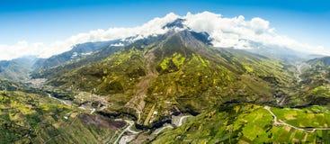 Tungurahua Volcano Panorama Aerial Shot Immagine Stock Libera da Diritti