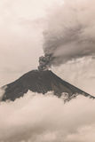 Tungurahua Volcano Spews Molten Rocks Arkivbilder