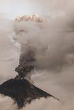 Tungurahua wulkan Rzyga dym I popiół Zdjęcia Stock
