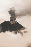 Tungurahua wulkan, Silny Vulcanian wybuch Zdjęcia Royalty Free