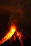 Tungurahua wulkanu nocy erupcja Obrazy Royalty Free