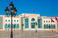 Tunis huvudsaklig fyrkant. Gränsmärke för turist- dragning med monument royaltyfria bilder