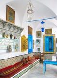 tunisia Sidi Bou sade 17 September 2016 Inre av ett arabiskt hus i den Sidi Bou Said staden royaltyfri bild