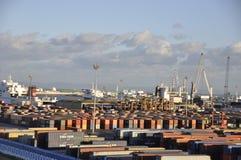 Tunisien: Behållarehamnen av den Tunis staden royaltyfri fotografi