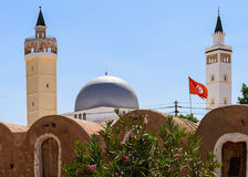 Tunisien flagga Royaltyfria Bilder