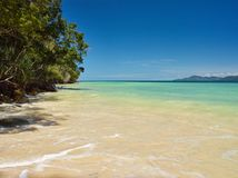 Tunku Abdul Rahman National Park, playa de la arena de Borneo, isla de Malasia - de Mamutik imágenes de archivo libres de regalías