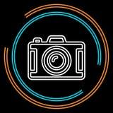 Tunn linje vektorsymbol för enkel kamera royaltyfri illustrationer